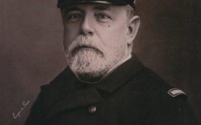 """El PP de Boadilla repara el agravio contra el almirante Cervecera, sustituido en Barcelona por quien a """"España le sudaba la polla"""""""